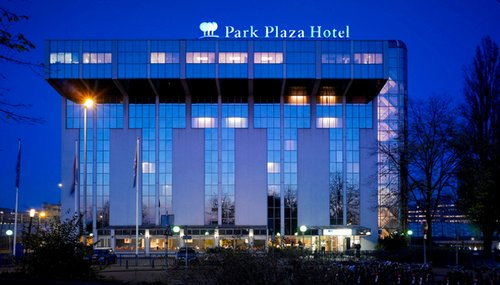 Park Plaza Utrecht, Photo devant l'hôtel